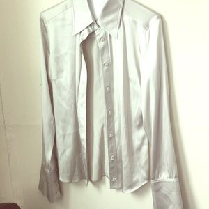 Tops - Luxury Gucci silk blouse in silver size 40